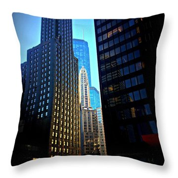 Golden Hour Reflections - City Of Chicago Throw Pillow
