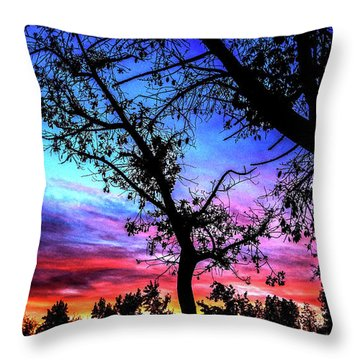 Good Night Leaves In Fall Throw Pillow