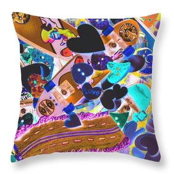 Graphic Decksign Throw Pillow