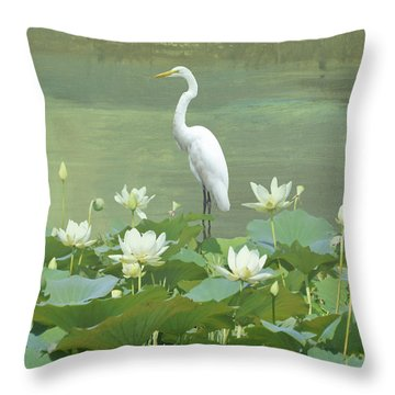 Great Egret And Lotus Flowers Throw Pillow