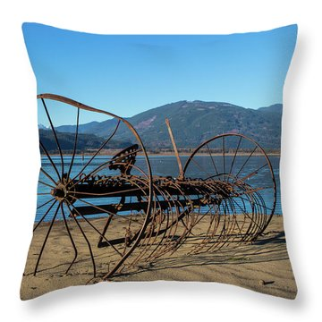 Harrison Lake Near Agassiz Throw Pillow