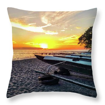 Hookena Beach Park Throw Pillow
