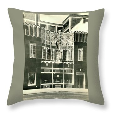 Horn And Hardart, S 18th St., Philadelphia Throw Pillow