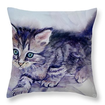 Hunting For A Mouse Throw Pillow
