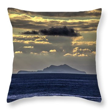 Island Cloud Throw Pillow