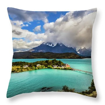 Lago Pehoe, Chile Throw Pillow