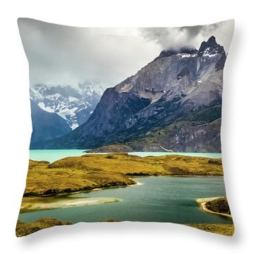 Laguna Larga, Lago Nordernskjoeld, Cuernos Del Paine, Torres Del Paine, Chile Throw Pillow