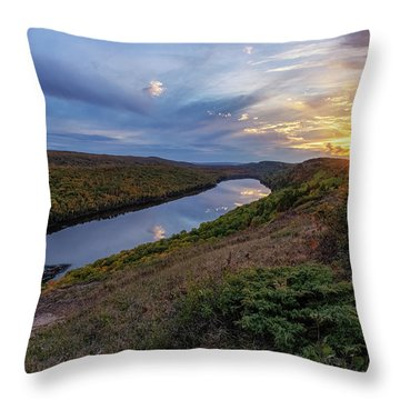 Lake Of The Clouds 6 Throw Pillow