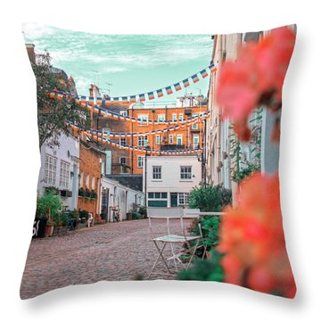 Laurie Throw Pillow