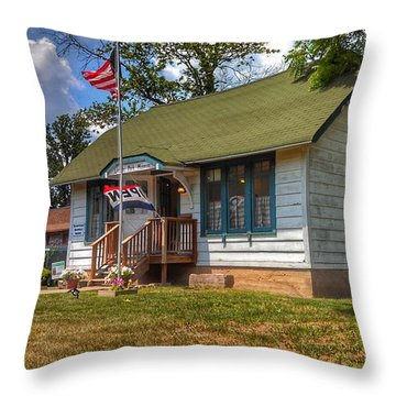 Lincoln Park History Museum - Vintage Throw Pillow