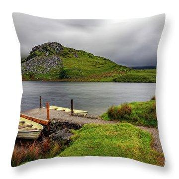 Llyn Y Dywarchen, Rhyd Ddu Snowdonia Throw Pillow