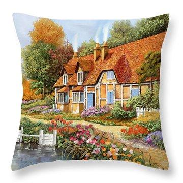 Lo Steccato Sul Fiume Throw Pillow