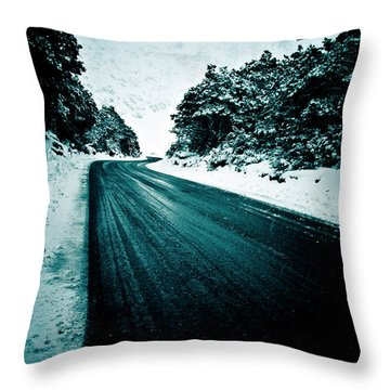 Lonely Road In The Countryside For A Car Trip And Disconnect From Stress Throw Pillow