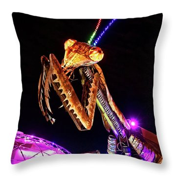 Throw Pillow featuring the photograph Mantis by Skip Hunt