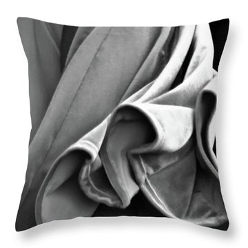 Mideastern Dancing 2 Throw Pillow