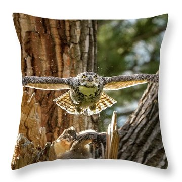Momma Great Horned Owl Blasting Out Of The Nest Throw Pillow