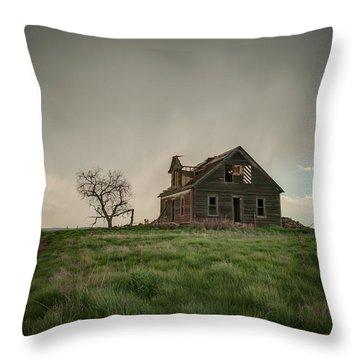 Nebraska Farm House Throw Pillow