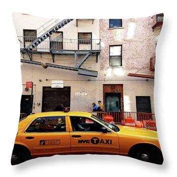 New York, Cab Throw Pillow