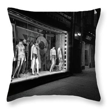 Throw Pillow featuring the photograph New York, New York 12 by Ron Cline