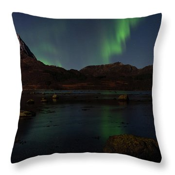 Norlys Throw Pillow