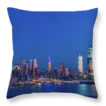 Throw Pillow featuring the photograph Nyc The Blue Hour by Francisco Gomez