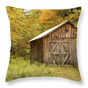 Old Barn New England Throw Pillow
