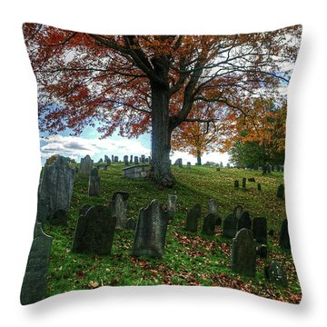 Old Hill Burying Ground In Autumn Throw Pillow