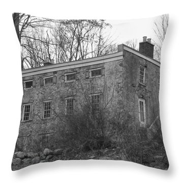 Old Stone House - Waterloo Village Throw Pillow