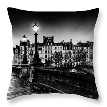 Paris At Night - Pont Neuf Throw Pillow