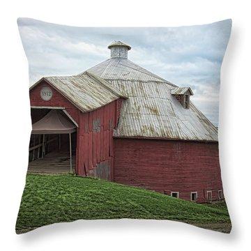 Round Barn - Mansonville, Quebec Throw Pillow