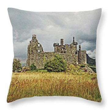 Scotland. Loch Awe. Kilchurn Castle. Throw Pillow