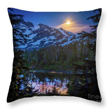 Shuksan Picture Lake Moonrise Throw Pillow