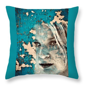 Sia Throw Pillow