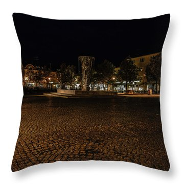 stora torget Enkoeping #i0 Throw Pillow