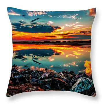 Sunrise At Hereford Throw Pillow