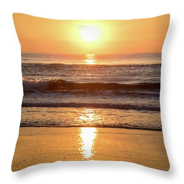 Sunrise At Surfers Paradise Throw Pillow