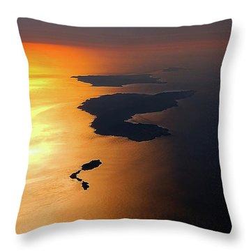 Sunset At Lyon Rock Throw Pillow