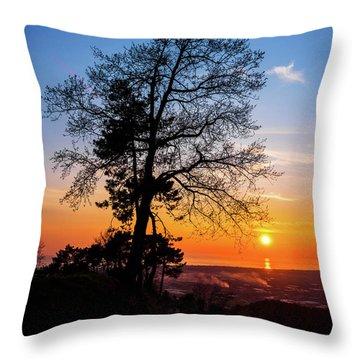 Sunset - Monte D'oro Throw Pillow