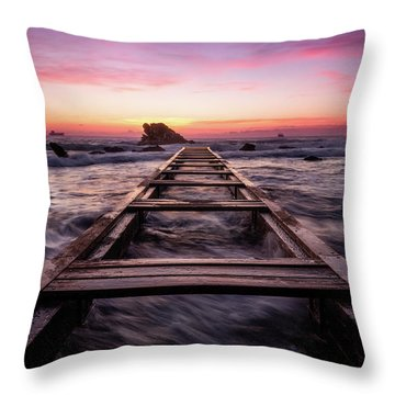Sunset Shining Over A Wooden Pier In Livorno, Tuscany Throw Pillow