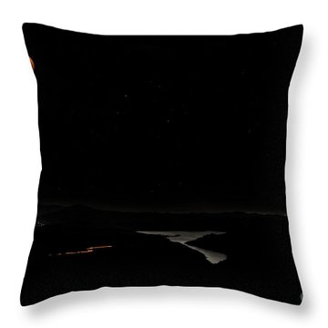 Super Blood Wolf Moon Eclipse Over Lake Casitas At Ventura County, California Throw Pillow