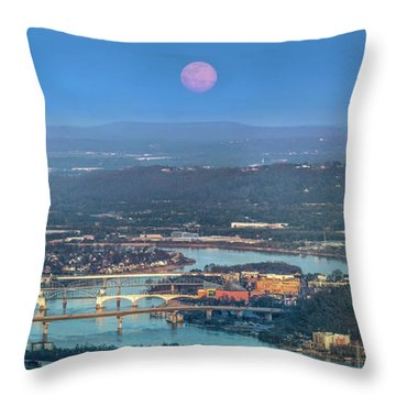 Super Moon Over Chattanooga Throw Pillow