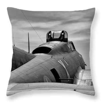 Texas Raiders On The Ramp Throw Pillow