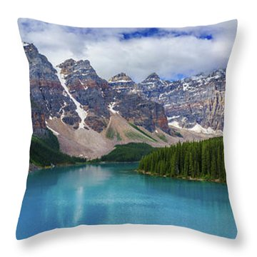 The Great Morraine Wilderness Throw Pillow