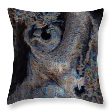 The Old Owl That Watches Throw Pillow