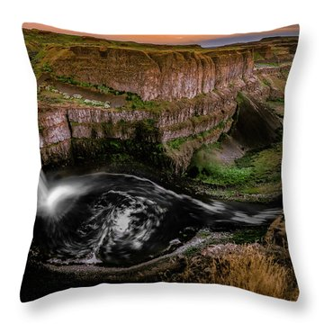 Throw Pillow featuring the photograph The Palouse by Francisco Gomez