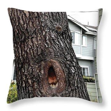 This Tree Sings Oprah Throw Pillow