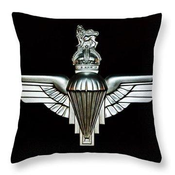 Uk Parachute Regiment Emblem Throw Pillow