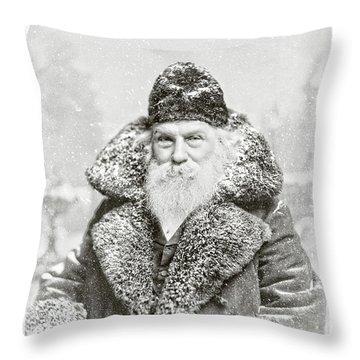 Vintage Santa Claus 10 Throw Pillow