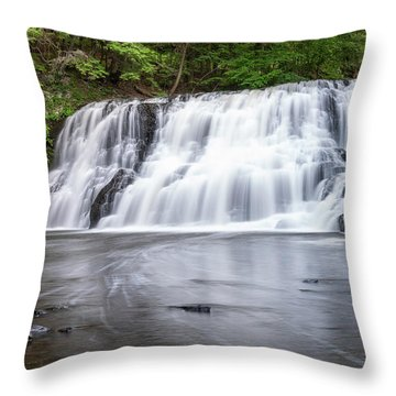 Wadsworth Falls In Middletown, Connecticut U.s.a.  Throw Pillow