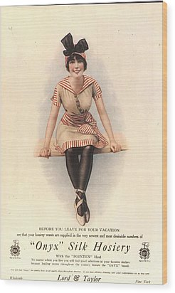1915 1910s Usa Onyx Silk Stockings Wood Print by The Advertising Archives